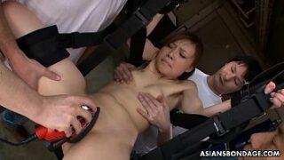 Asian stunner fucking